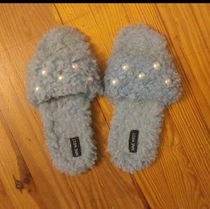 Ladies slippers By NINE WEST Sz-9/10